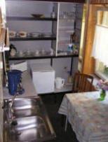 Mittenentzwei Potsdam Pension ist einfacher Standart mit Kaffeemaschine, Toaster, Kuehlschrank, Wasserkocher...