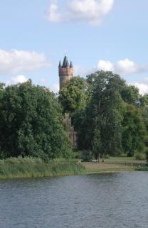 Flatowturm Babelsberger Park Potsdam Pension Mittenentzei