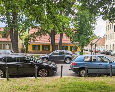 Parkplatzsituation vor der Unterkunft in Potsdam